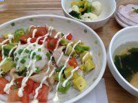 290603⑮豚とアボガドのカフェ丼